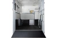 eventa_l_rear_interior_one_stall