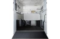eventa_l_rear_interior_two_stall