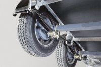 heavy-duty-beam-axle-with-parbolic-leaf-springs-unique-to-ifor-williams-trailers