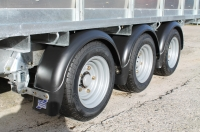 mudguards-fitted-tri-axle