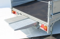 optional-loading-ramps-are-fitted-with-skid-rail-at-rear